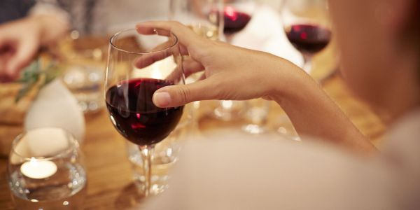 pahar de vin rosu