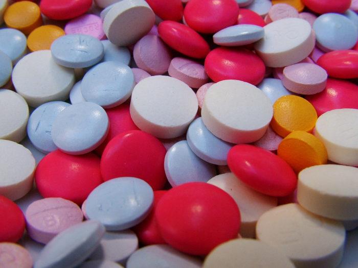 pastile pilule colorate