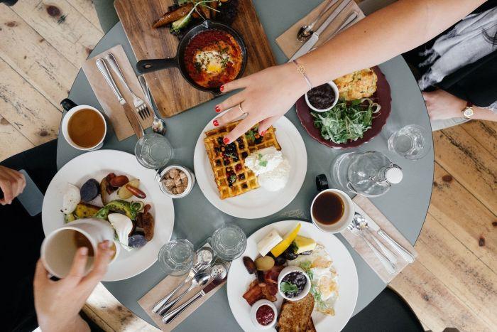 Un mic dejun sănătos te va menține în formă, te va ajuta să slăbești și să ai o viață activă