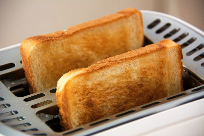 Pâinea prăjită poate înlocui cu succes pâinea albă